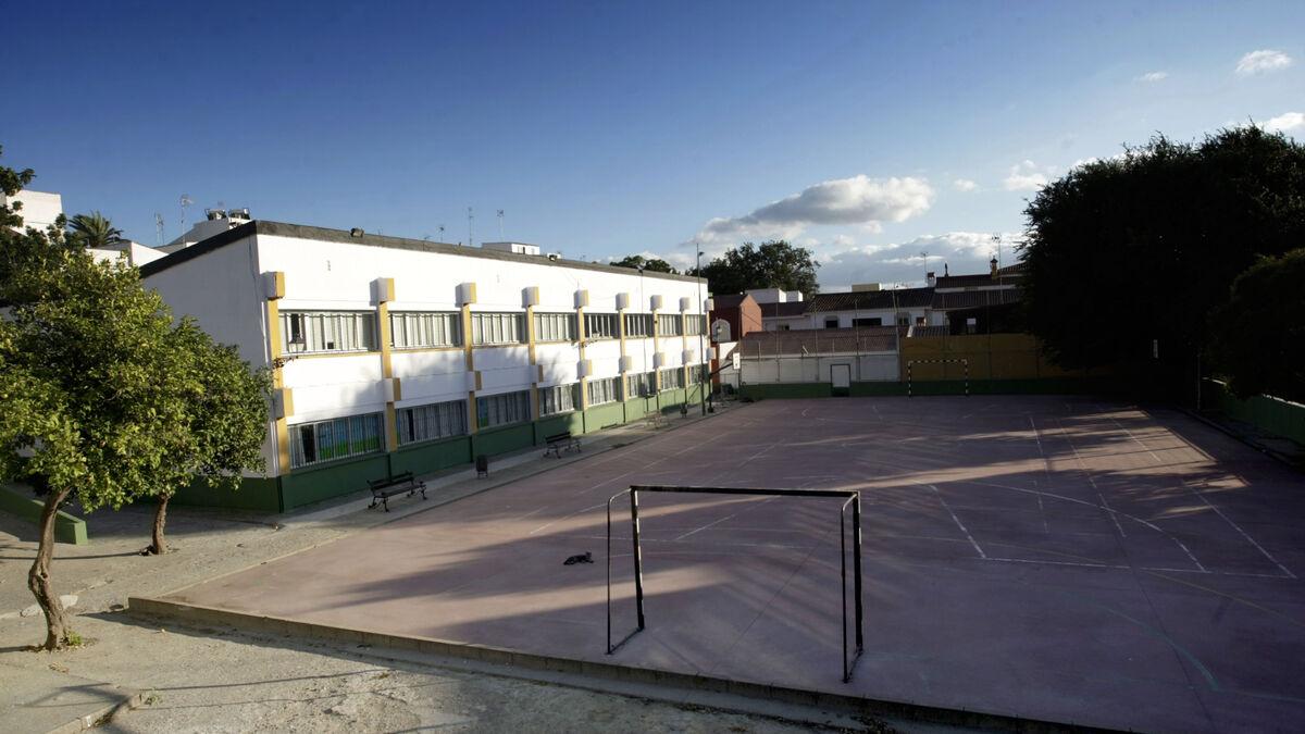 La AMPA Tesorillo denuncia que el comedor del colegio José Luis Sánchez está sin cocinera desde septiembre