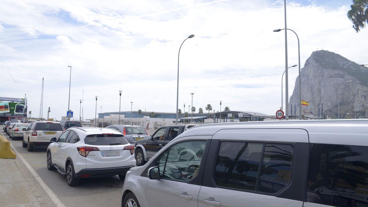 La presión de Aduanas acelera la regularización de los coches con matrícula de Gibraltar de residentes en España