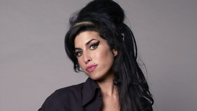 Amy Winehouse.