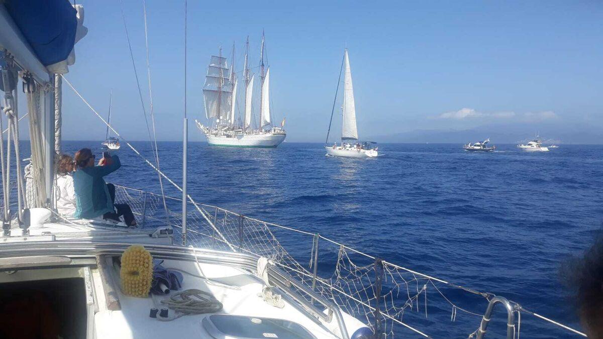 El 'Juan Sebastián Elcano' en aguas de la Bahía de Algeciras, este viernes.